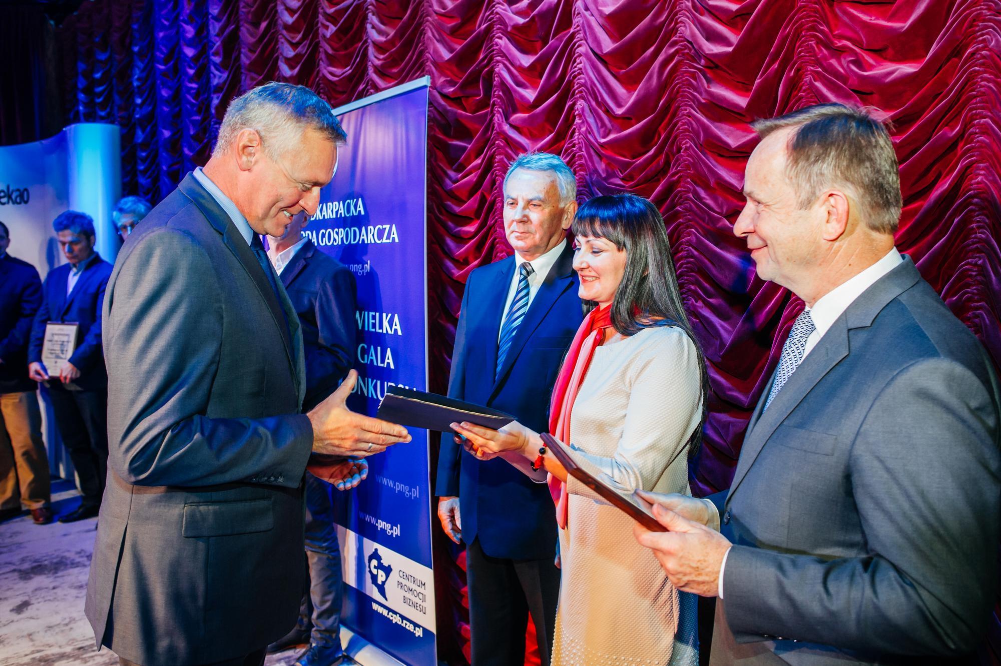 Nagroda medyczna dla Visum Clinic w Rzeszowie za zabieg laserowej korekcji wzroku